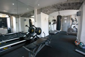 Free access to the gym 24/7