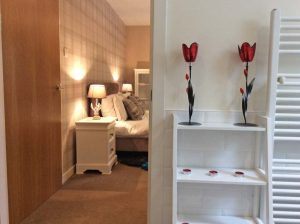 En-suite and master bedroom.
