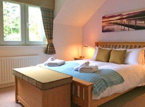 Club Cottage master bedroom.