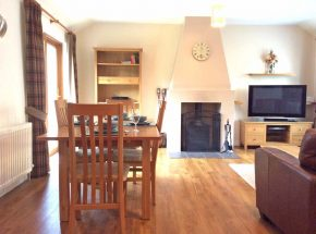 Club Cottage. Spacious and homely holiday cottage.