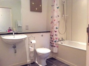 Club Cottage. Family bathroom.