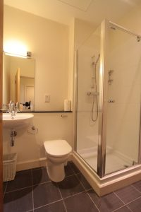 Monastery 17 Loch Ness Holiday Apartment bathroom