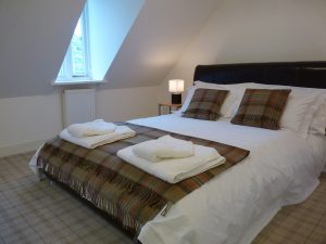 Moat House 10 - Glenmorangie bedroom