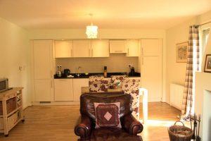Cottage 8 open plan kitchen