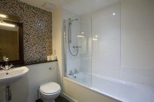 Loch Ness holiday apartment family bathroom