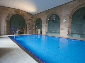 Loch Ness holiday apartment, heated swimming pool