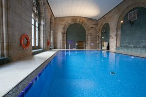 Free access to heated swimming pool