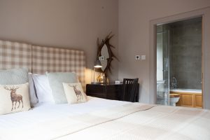 Struan at Loch Ness, en suite master bedroom