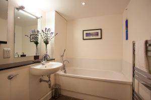 Glendoe family bathroom