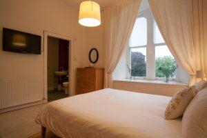 Nevis double bedroom with en suite bathroom