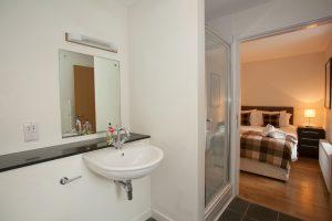 En suite leads to master bedroom