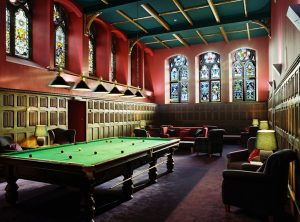 Club Lounge with WiFi and professional size snooker table