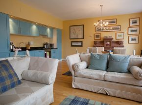 Livingstone is bright, spacious and beautifully furnished