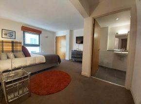 Master Bedroom and en suite bathroom in Canon Point